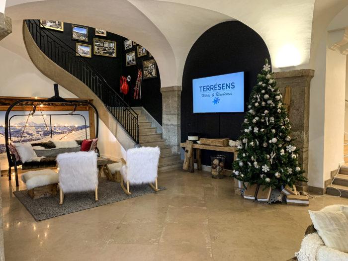 Photo de l'accueil du groupe Terresens située 19 place Tolozan à Lyon.